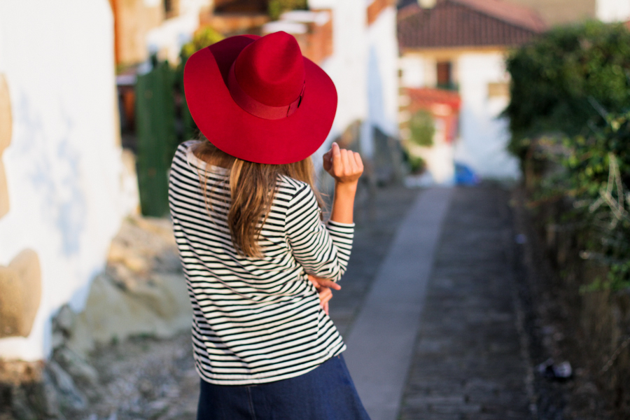 Clochet red fedora
