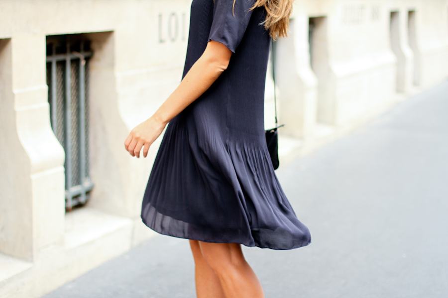IMG_4542-Clochet cos blue pleated dress paris