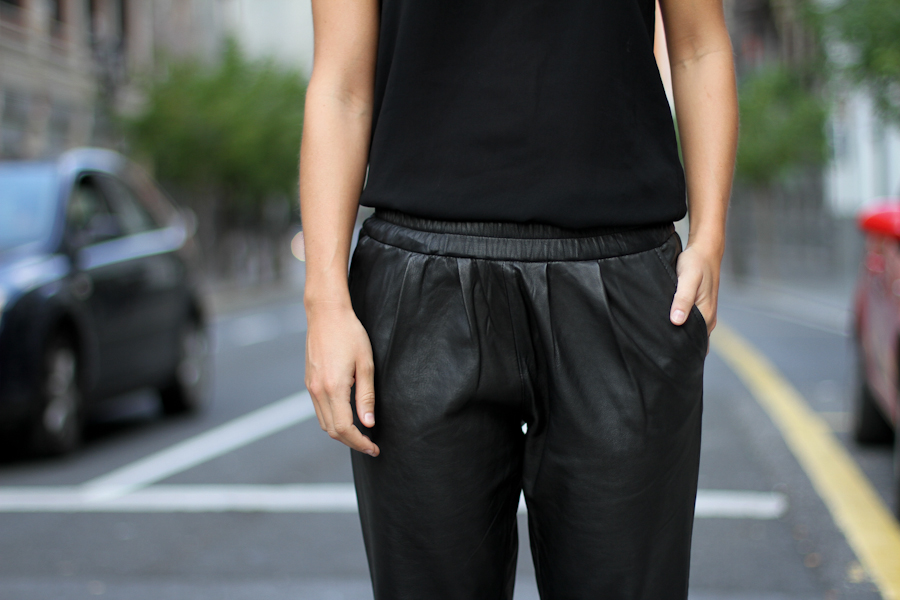 IMG_5769- Clochet mango baggy leather trousers_