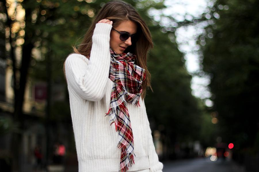 IMG_6003- Clochet White knit skater skirt zara