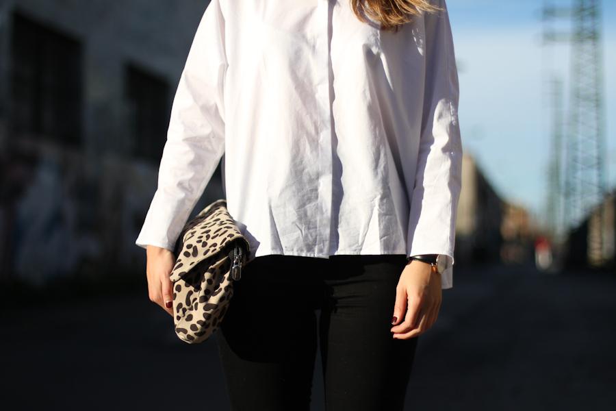 clochet - mango white shirt - zara highwaisted jeans - leo clutch-3