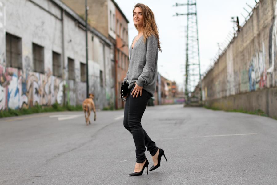 clochet - zara cashmere sweater - grey skinny jeans - acne shiloh clutch-9