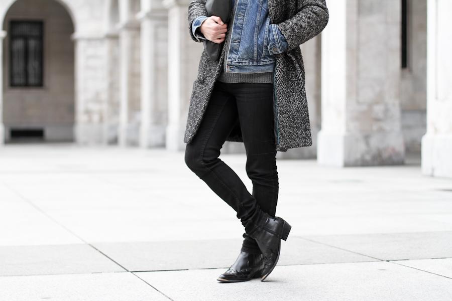 clochet - cowboy boots- levis vintage denim jacket-8