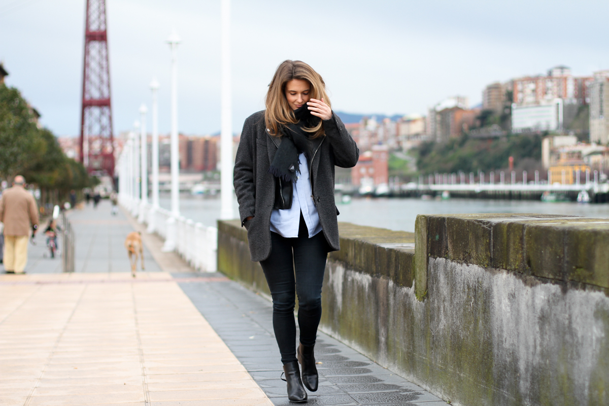 clochet - isabel marant pour h&m oversized jacket - zara black ankle boots - outfit - street style-6
