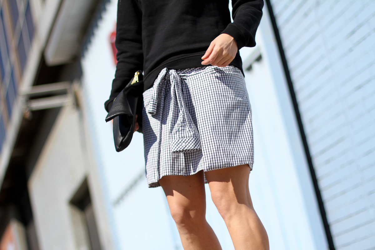clochet - outfit - streetstyle -  zara checked dress - kenzo sweatshirt - american apparel clutch-4