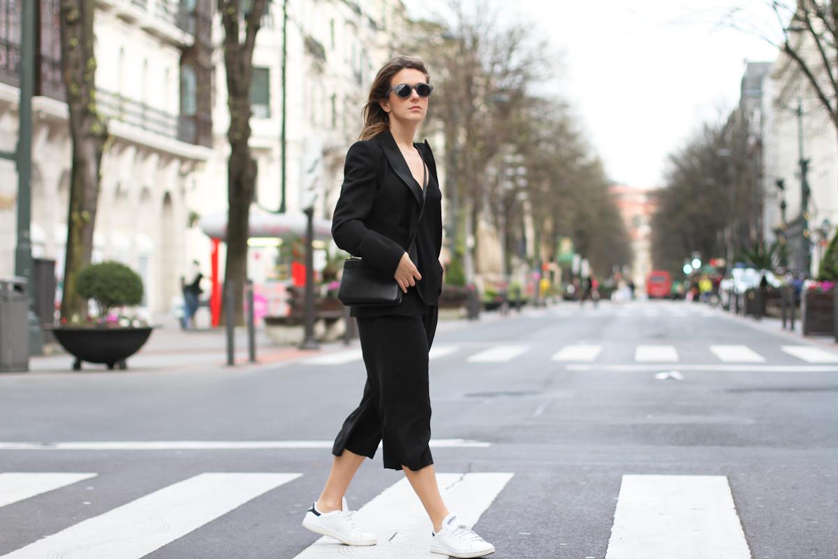 clochet - streetstyle - outfit - mango black culottes - celine trio bag - adidas stan smith-2