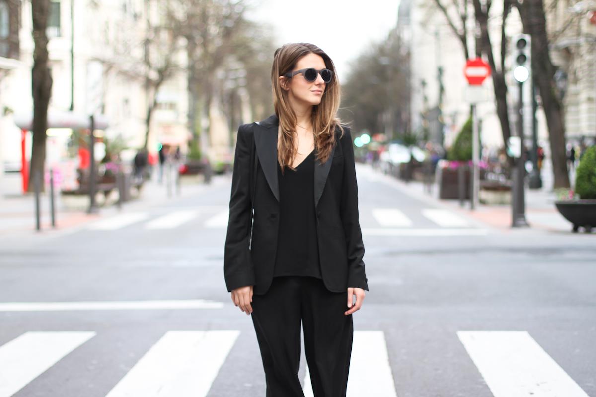 clochet - streetstyle - outfit - mango black culottes - celine trio bag - adidas stan smith-8