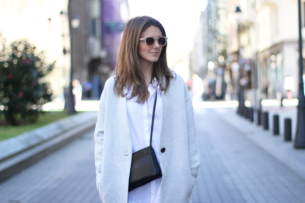clochet - streetstyle - outfit - mango grey oversized coat  h&m slipons - celine trio bag-2