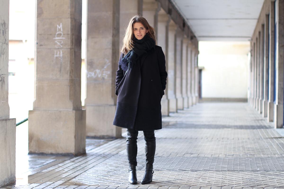 clochet - streetstyle - outfit - muubaa rica leather trousers - COS coat - celine trio bag-3