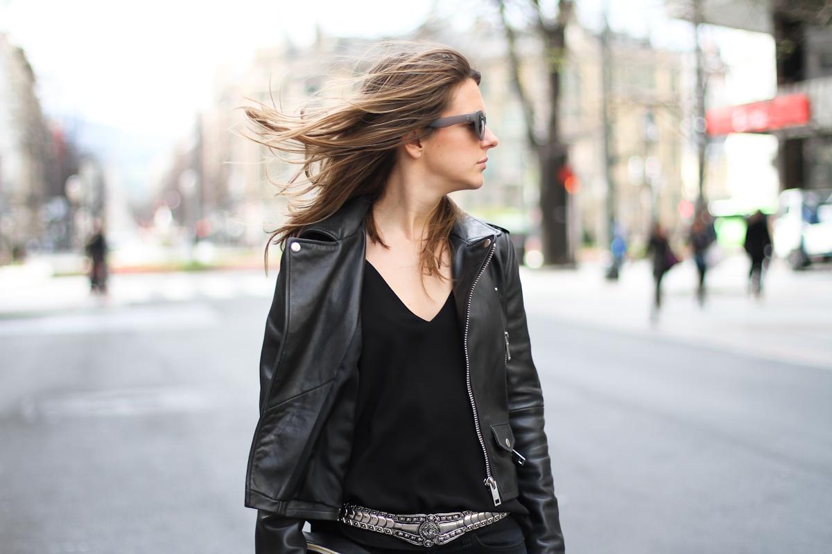 clochet - streetstyle - outfit - mango premium leather jacket - levis leggings - h&m spring collection belt