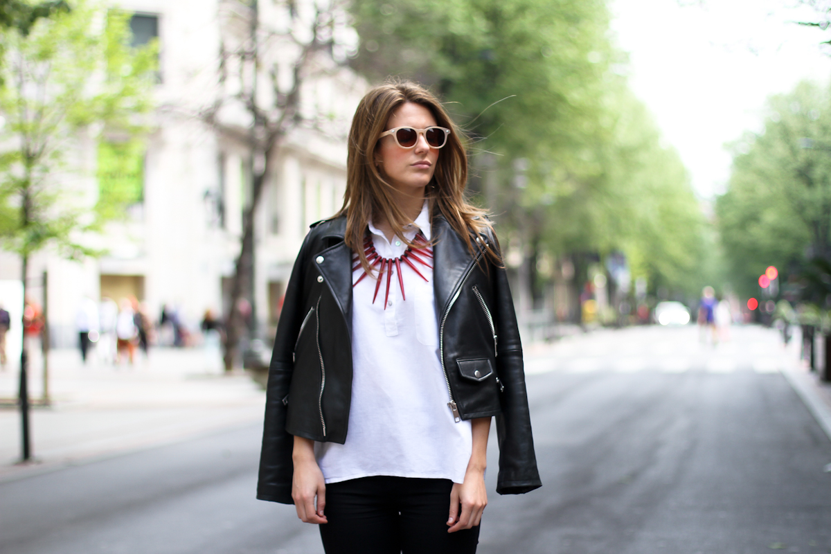 clochet - streetstyle - outfit - mango premium leather jacket - papiroga necklace - blanco heels
