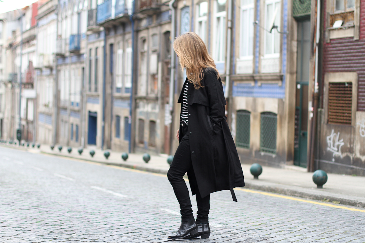 clochet - streetstyle - outfit - oporto - blanco distressed jeans - h&m long trench coat - cowboy boots