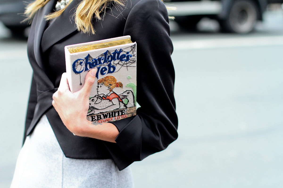 clochet - streetstyle - outfit - paris fashion week - helena bordon - Olympia le tan book clutch