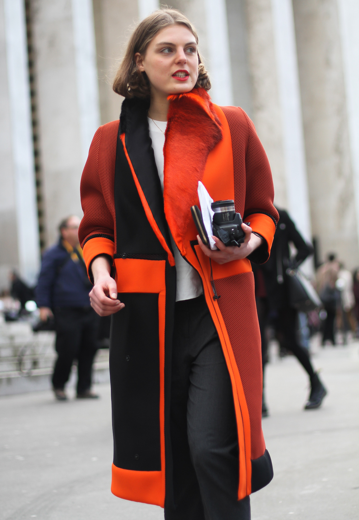 clochet - streetstyle - paris fashion week - nike ari max - orange structured coat-4