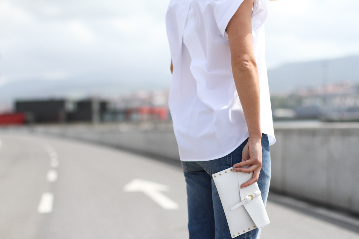 clochet - outfit- streetstyle - acne pop jeans - mango clutch - white structured shirt-6