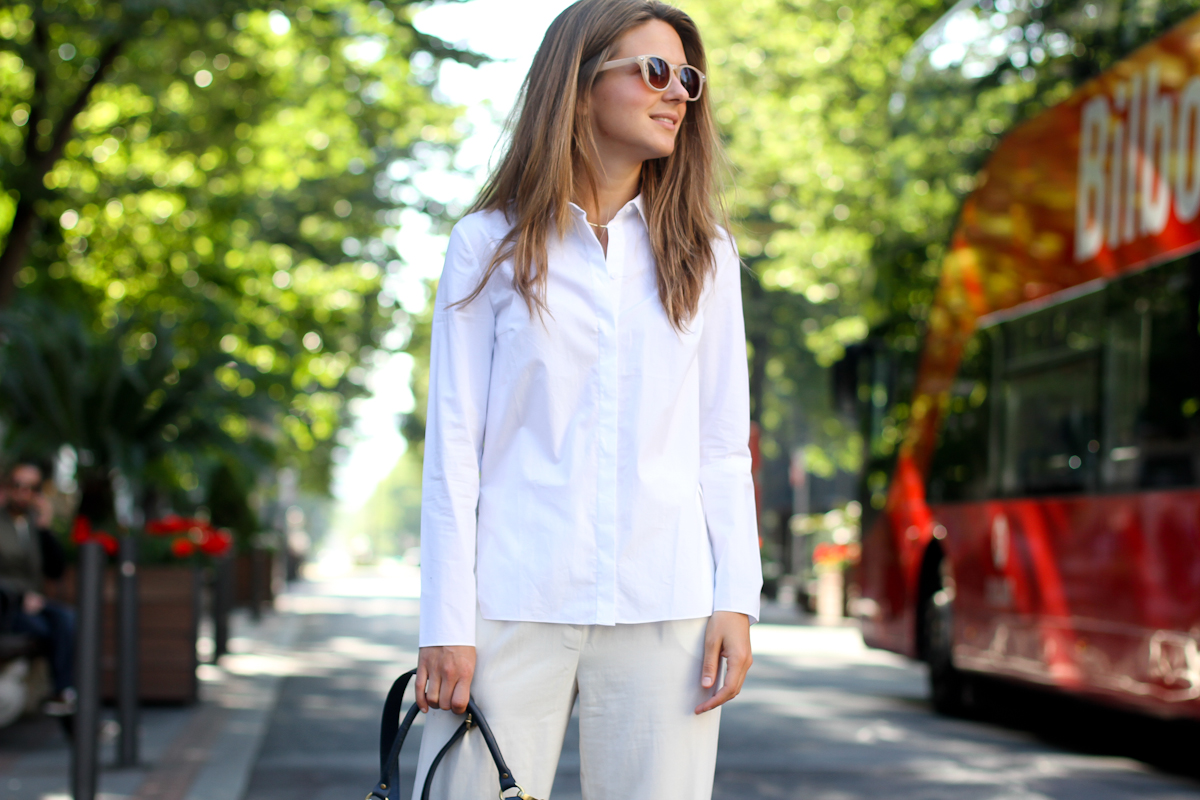 clochet - outfit- streetstyle - mango white wide trousers - cos white shirt - sushi bag - white birkenstocks-5