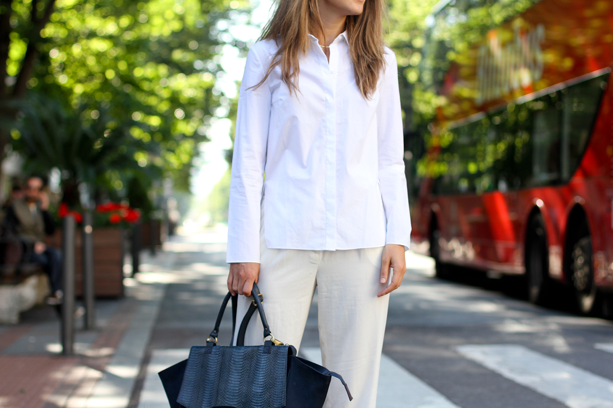 clochet - outfit- streetstyle - mango white wide trousers - cos white shirt - sushi bag - white birkenstocks-6