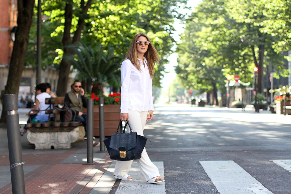 clochet - outfit- streetstyle - mango white wide trousers - cos white shirt - sushi bag - white birkenstocks