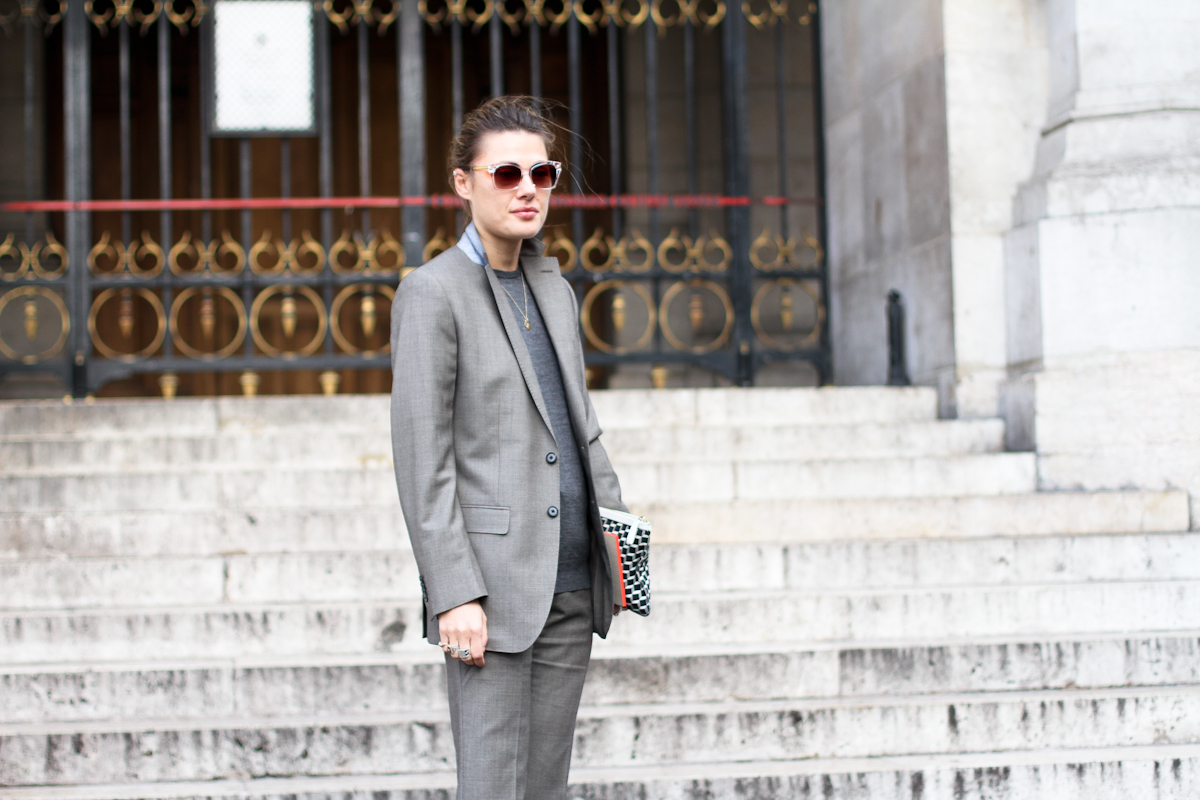 clochet - outfit- streetstyle - paris fashion week - balenciaga cut out boots - grey suit-4