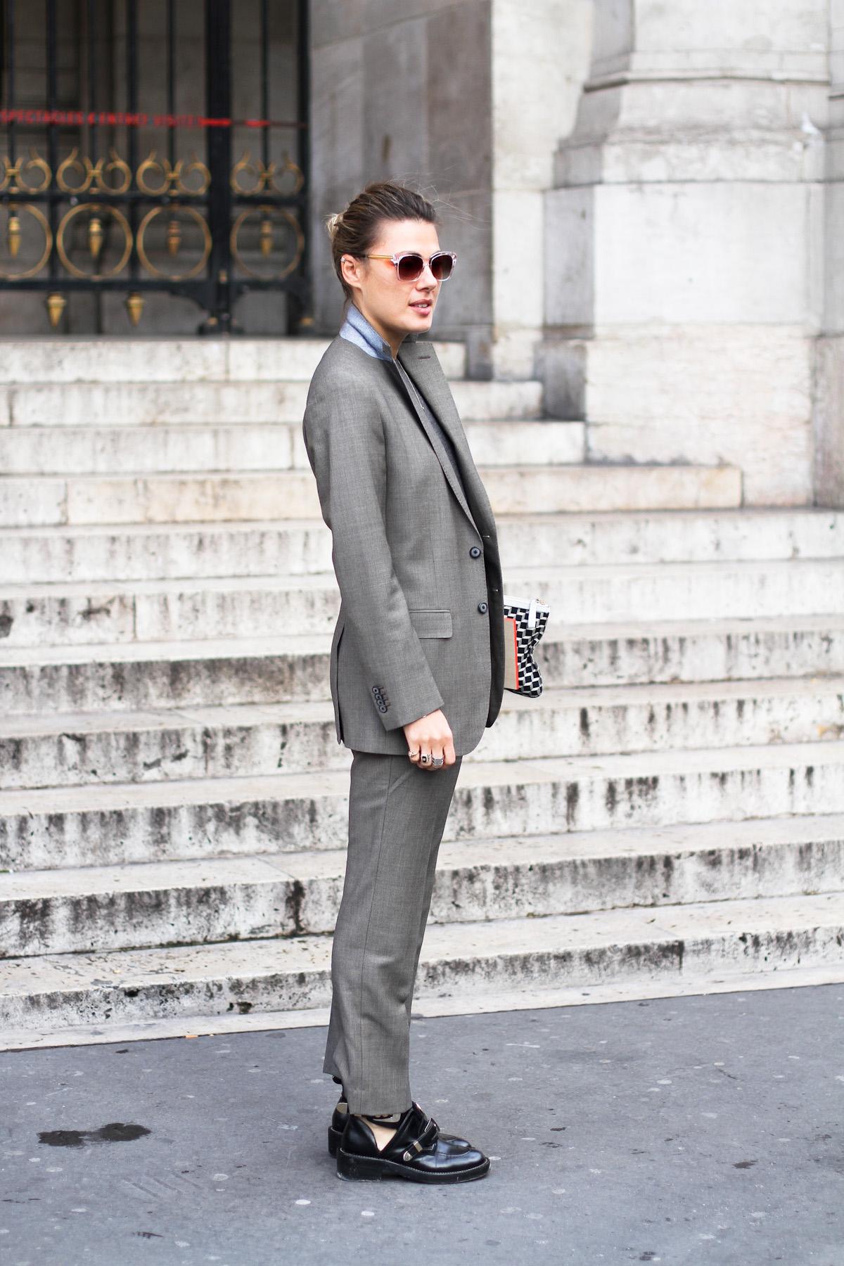 clochet - outfit- streetstyle - paris fashion week - balenciaga cut out boots - grey suit-5