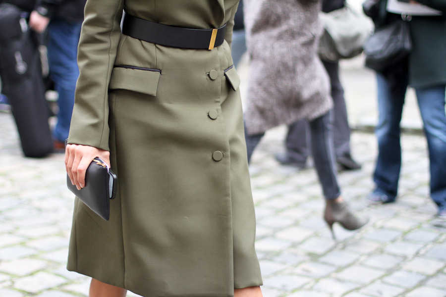 clochet - outfit- streetstyle - paris fashion week - christine centenera - military dress-5