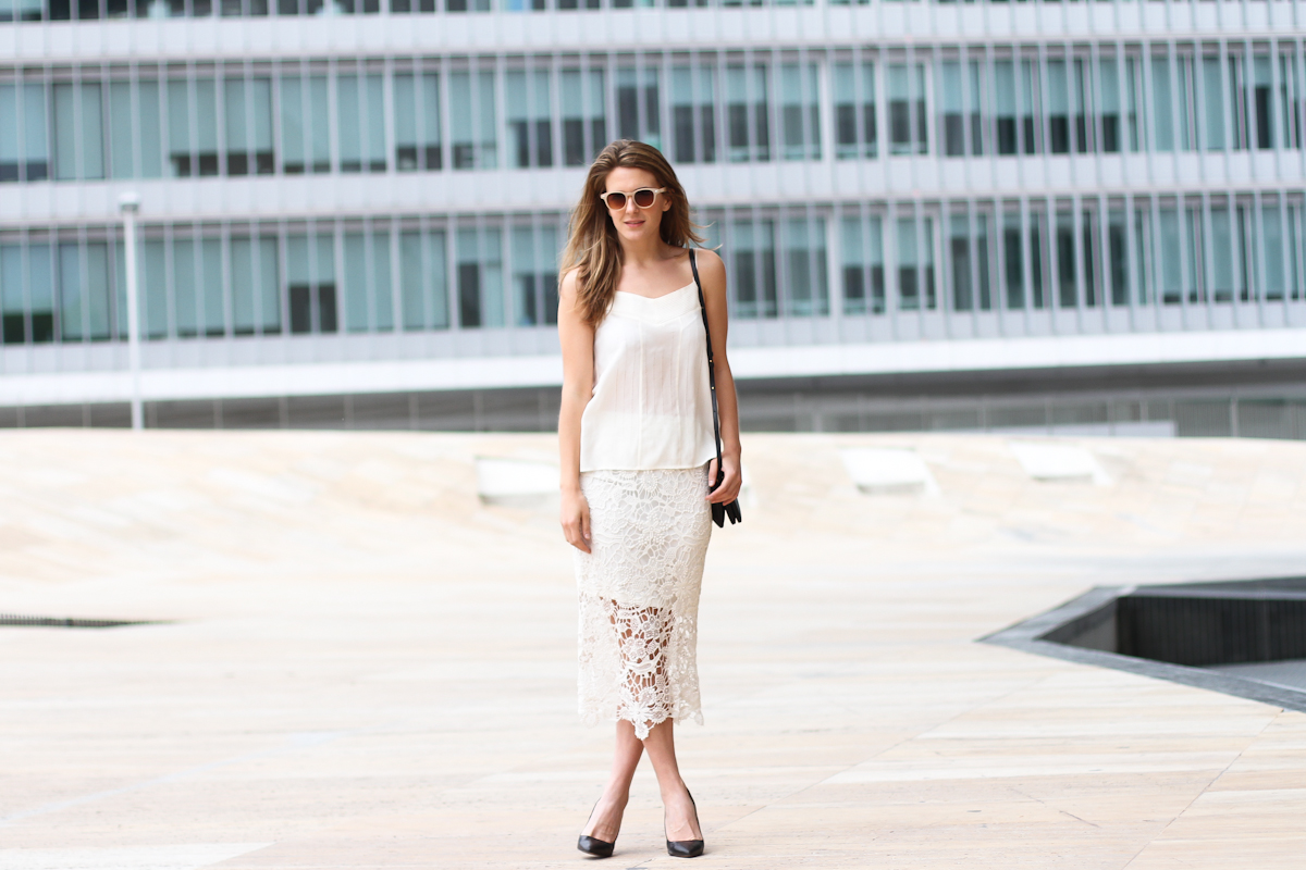 clochet - streetstyle - outfit - h&m trend crochet skirt - silk top - celine trio bag