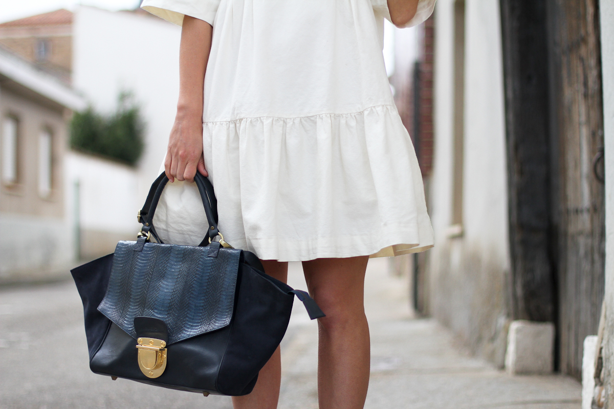 clochet - streetstyle - outfit - & other stories white dress - sushi bag-2