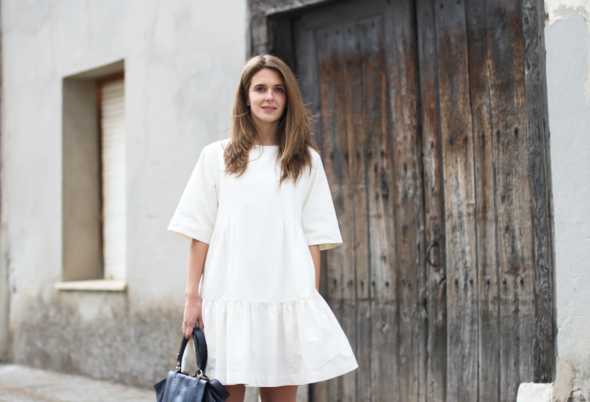 clochet - streetstyle - outfit - & other stories white dress - sushi bag-4