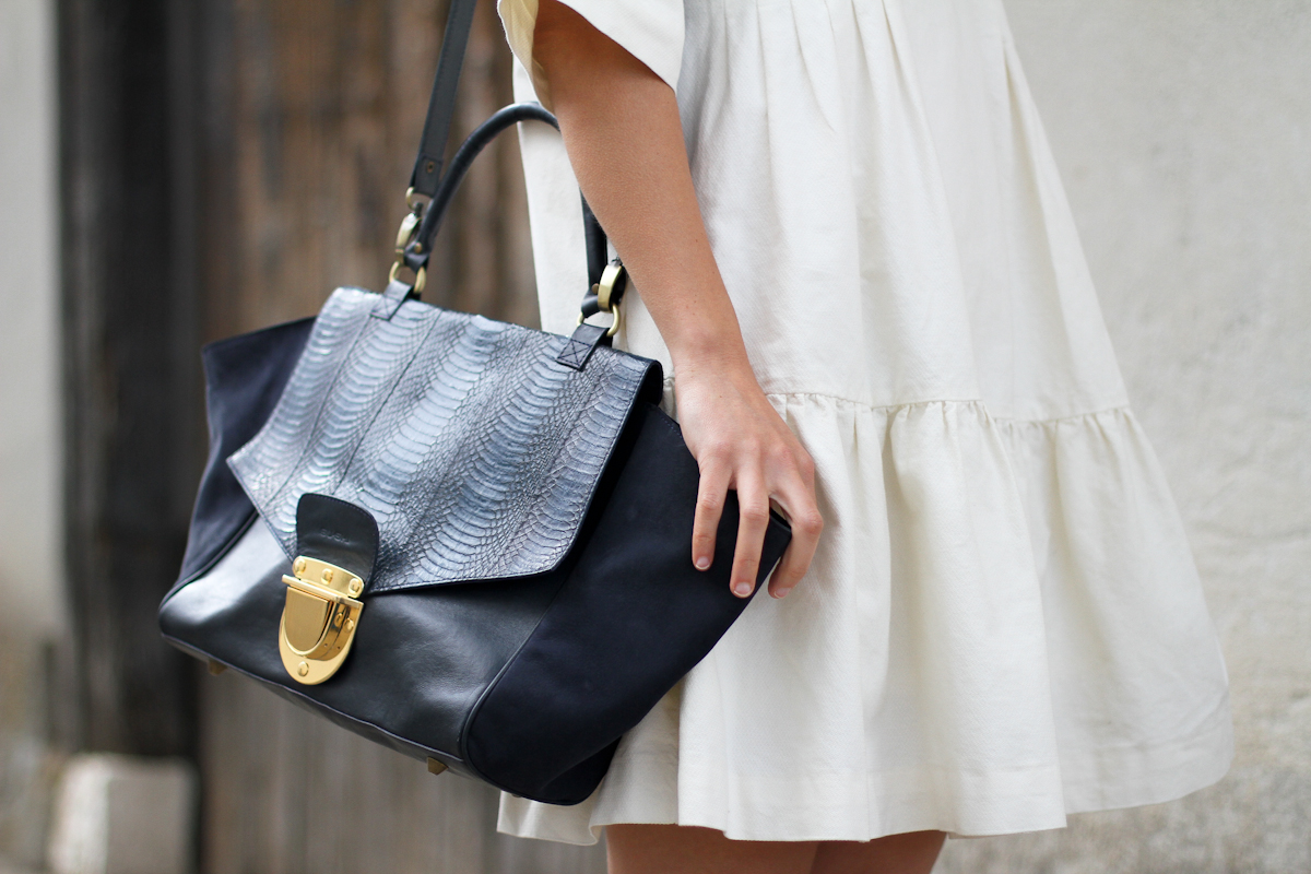 clochet - streetstyle - outfit - & other stories white dress - sushi bag