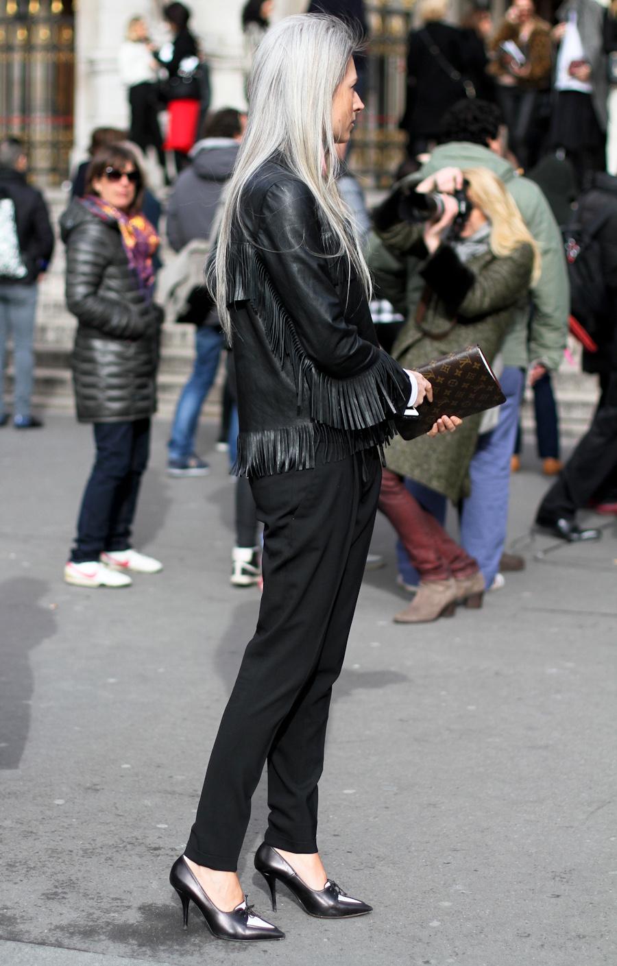 clochet - streetstyle - outfit - paris fashion week - sara harris - fringe leather jacket_-2