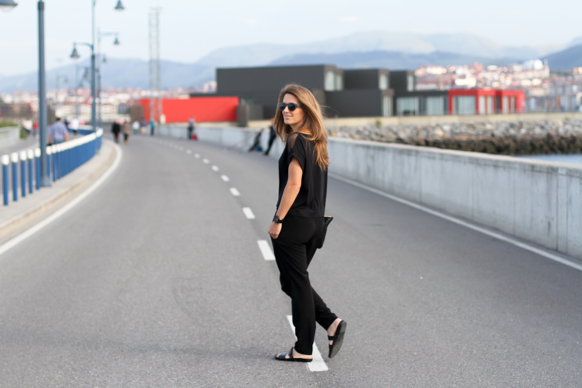clochet_outfit_streetstyle_suiteblanco-mesh-inserted-tshirt_vagabond-sliders_-6