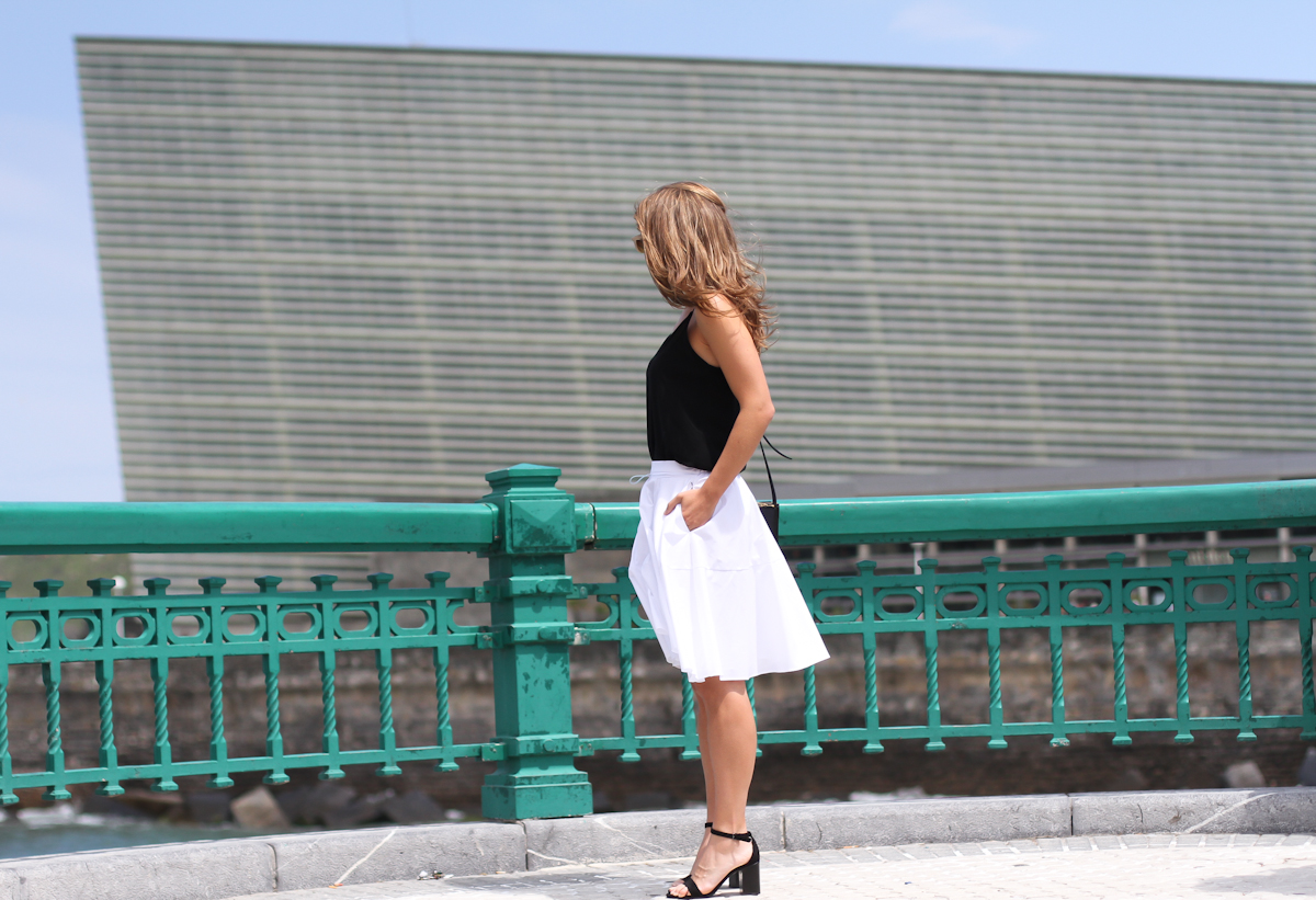 clochet_outfit_streetstyle_zara-white-midi-skirt_celine-trio-bag_-2