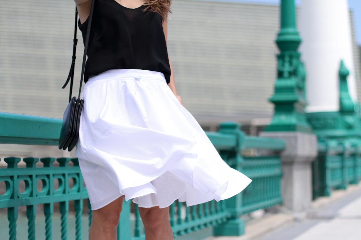 clochet_outfit_streetstyle_zara-white-midi-skirt_celine-trio-bag_