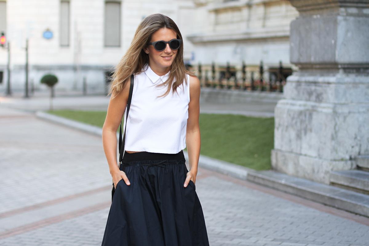 Clochet_outfit_streetstyle_suiteblanco_cropped_shirt_zara_popelin_skirt_-5