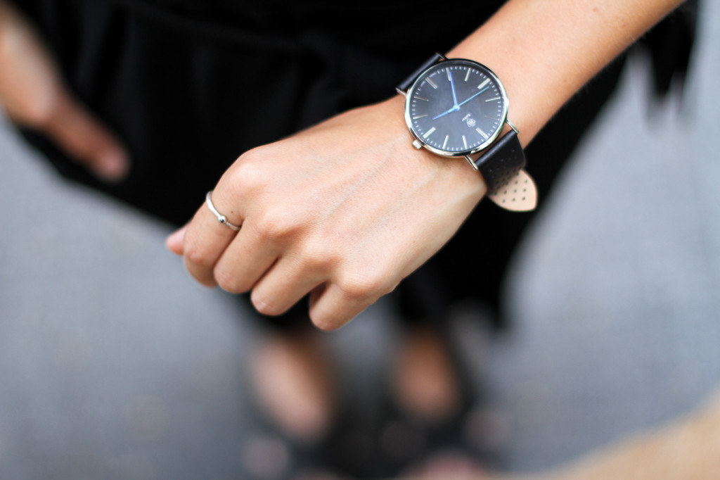Clochet_outfit_streetstyle_zara_black_jumpsuit_balber_time_watch_-3