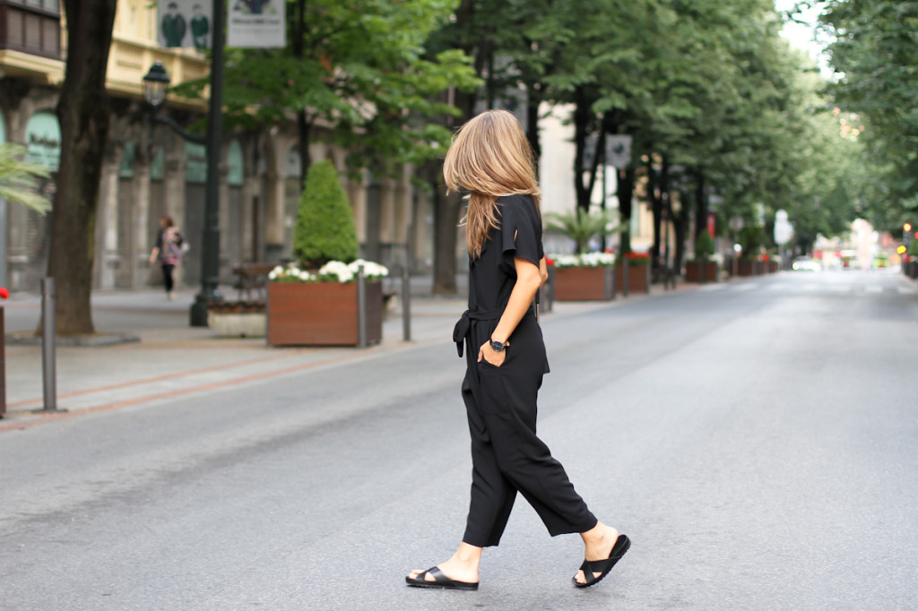 Clochet_outfit_streetstyle_zara_black_jumpsuit_balber_time_watch_-6