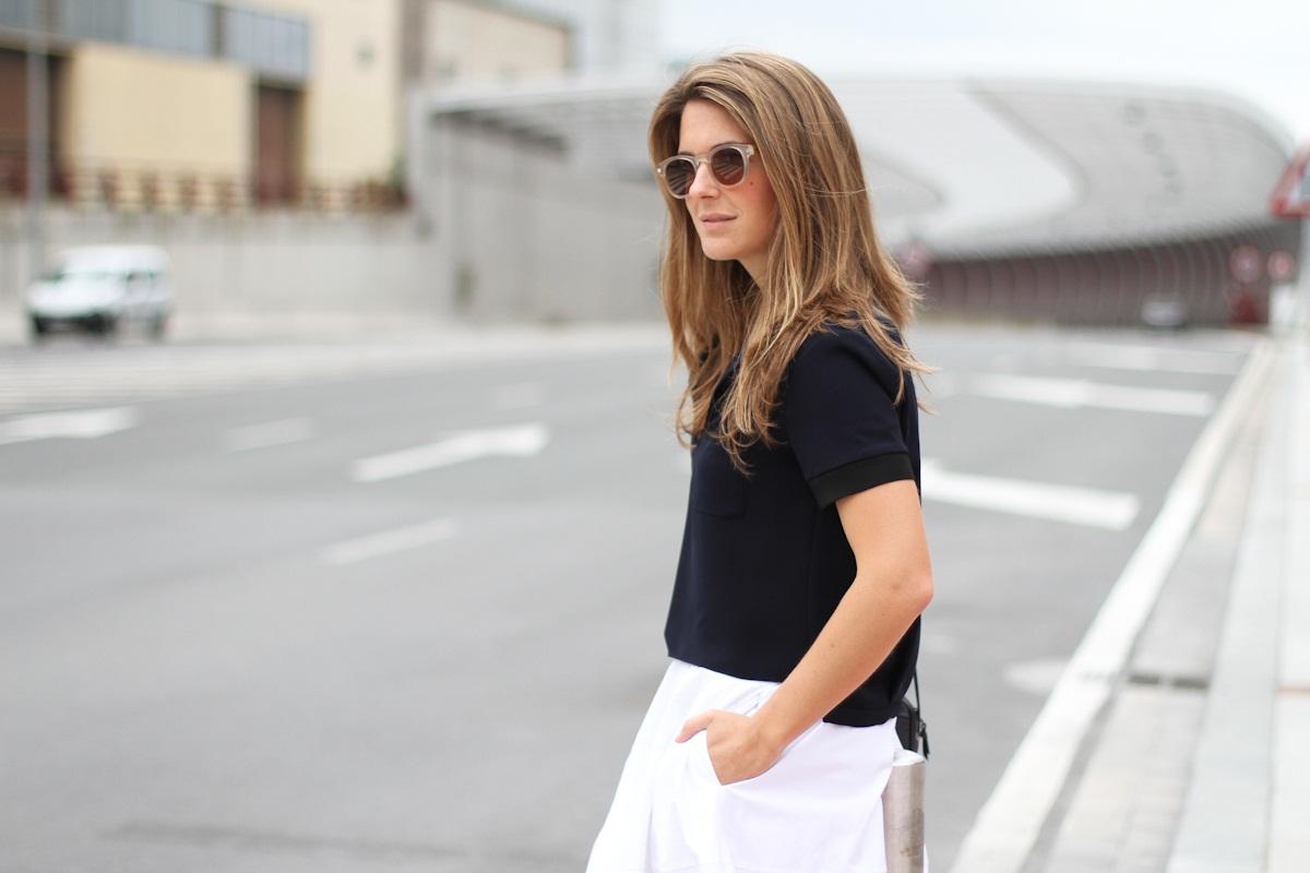 Clochet_outfit_streetstyle_zara_white_midi_skirt_birckenstock_arizona_-2 (1)
