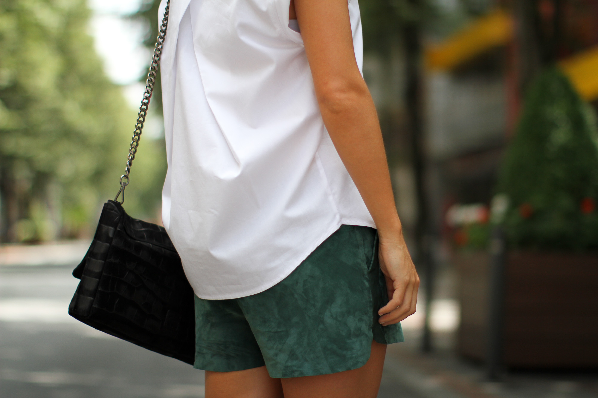 Clochet_h&m_trend_suede_running_shorts_white_platforms_-2