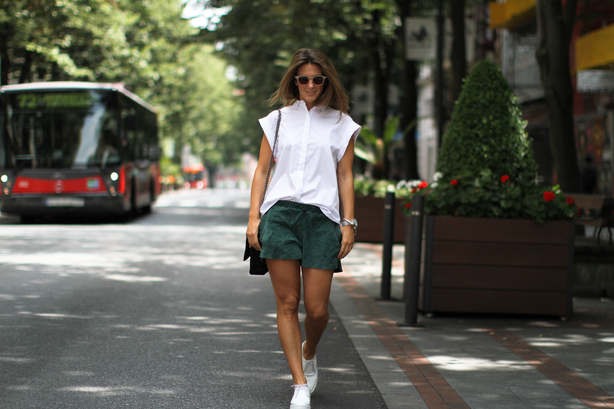 Clochet_h&m_trend_suede_running_shorts_white_platforms_-7