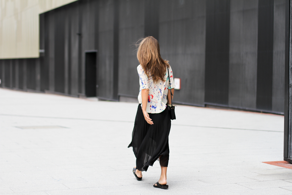 Clochet_pleated_assimetric_skirt_zara_arty_shirt_-17
