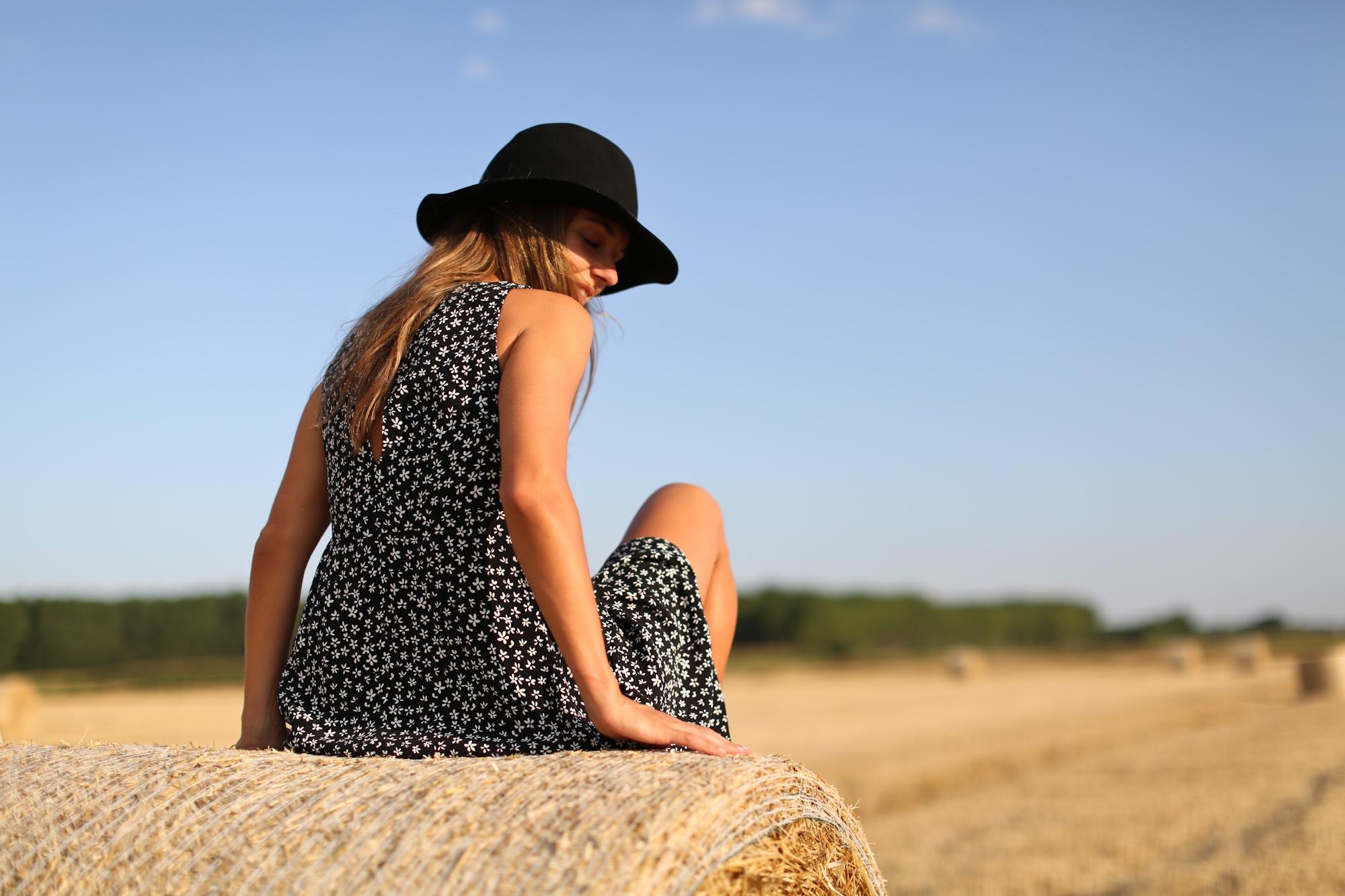Clochet_mango_printed_mini_dress_fedora_hat_adidas_stan_smith_-11