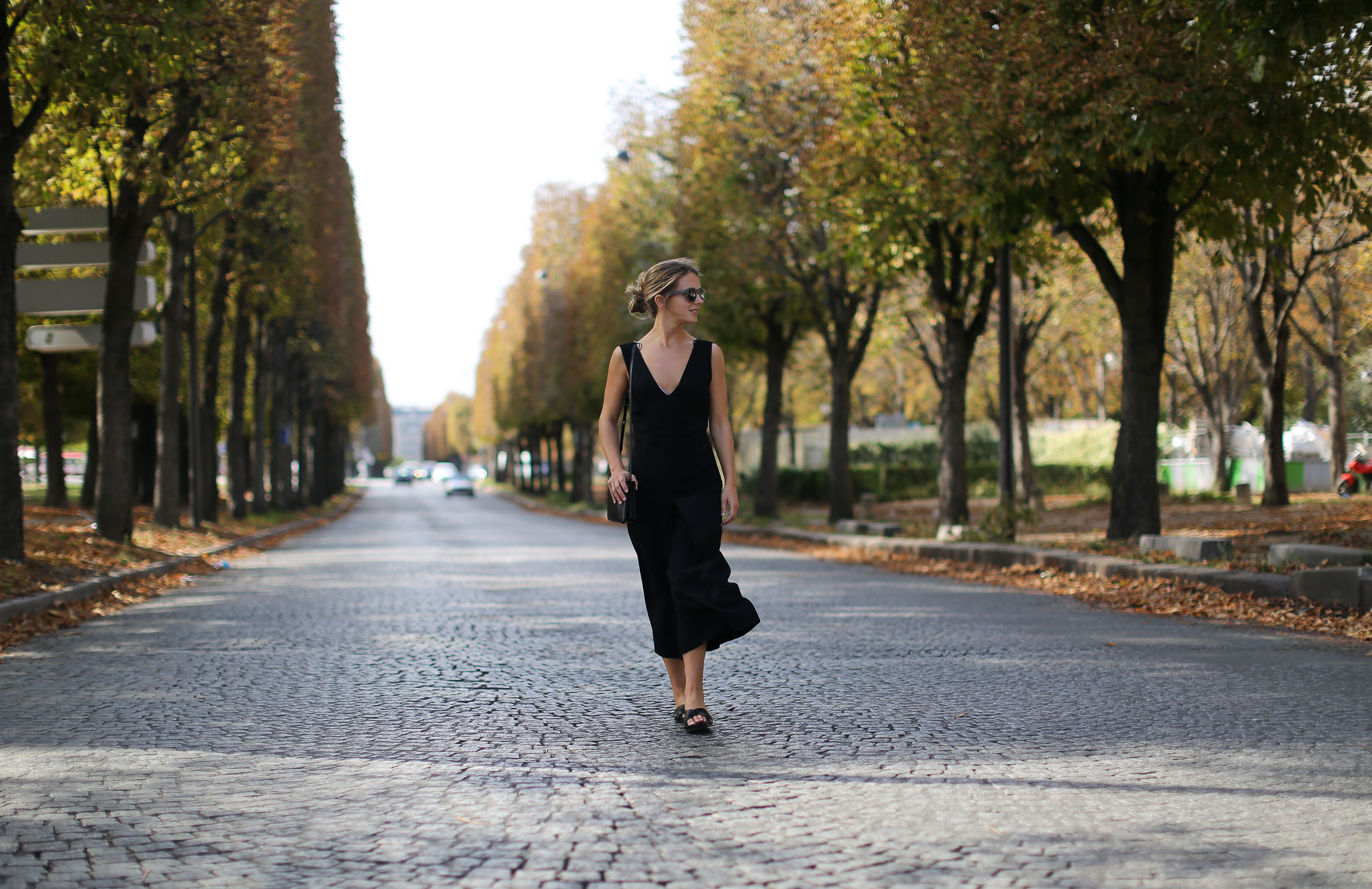 Clochet-paris-fashion-week-streetstyle-zara-jumpsuit-sliders-celine-trio-bag-1-2