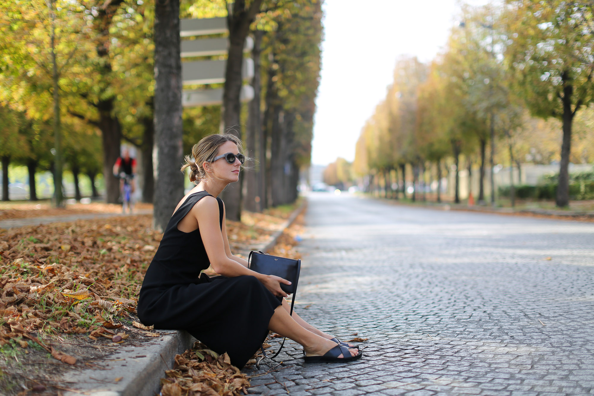 Clochet-paris-fashion-week-streetstyle-zara-jumpsuit-sliders-celine-trio-bag-1-9