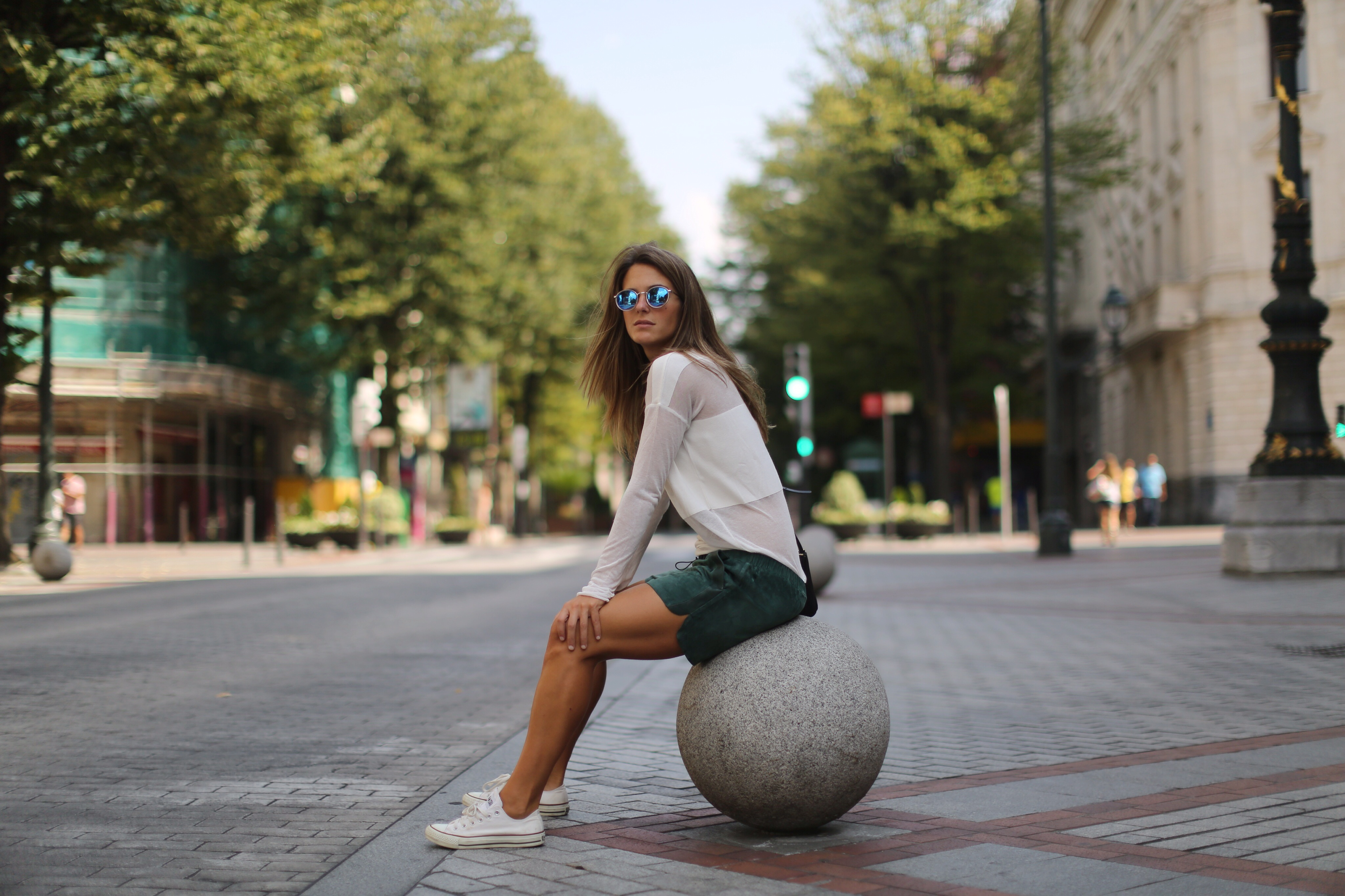 Clochet_h&m_trend_suede_shorts_converse_celine_trio_bag_02
