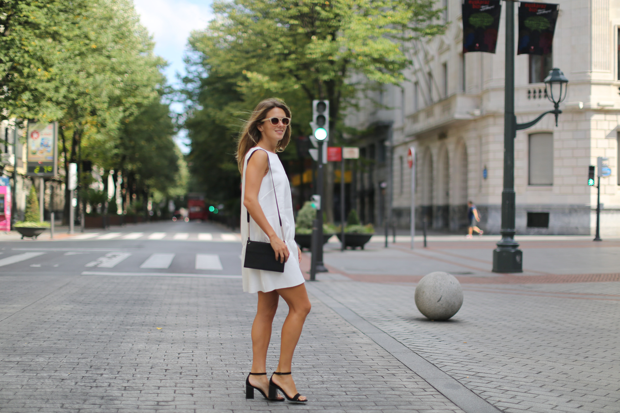 Clochet_h&m_trend_white_neoprene_dress_-1-2