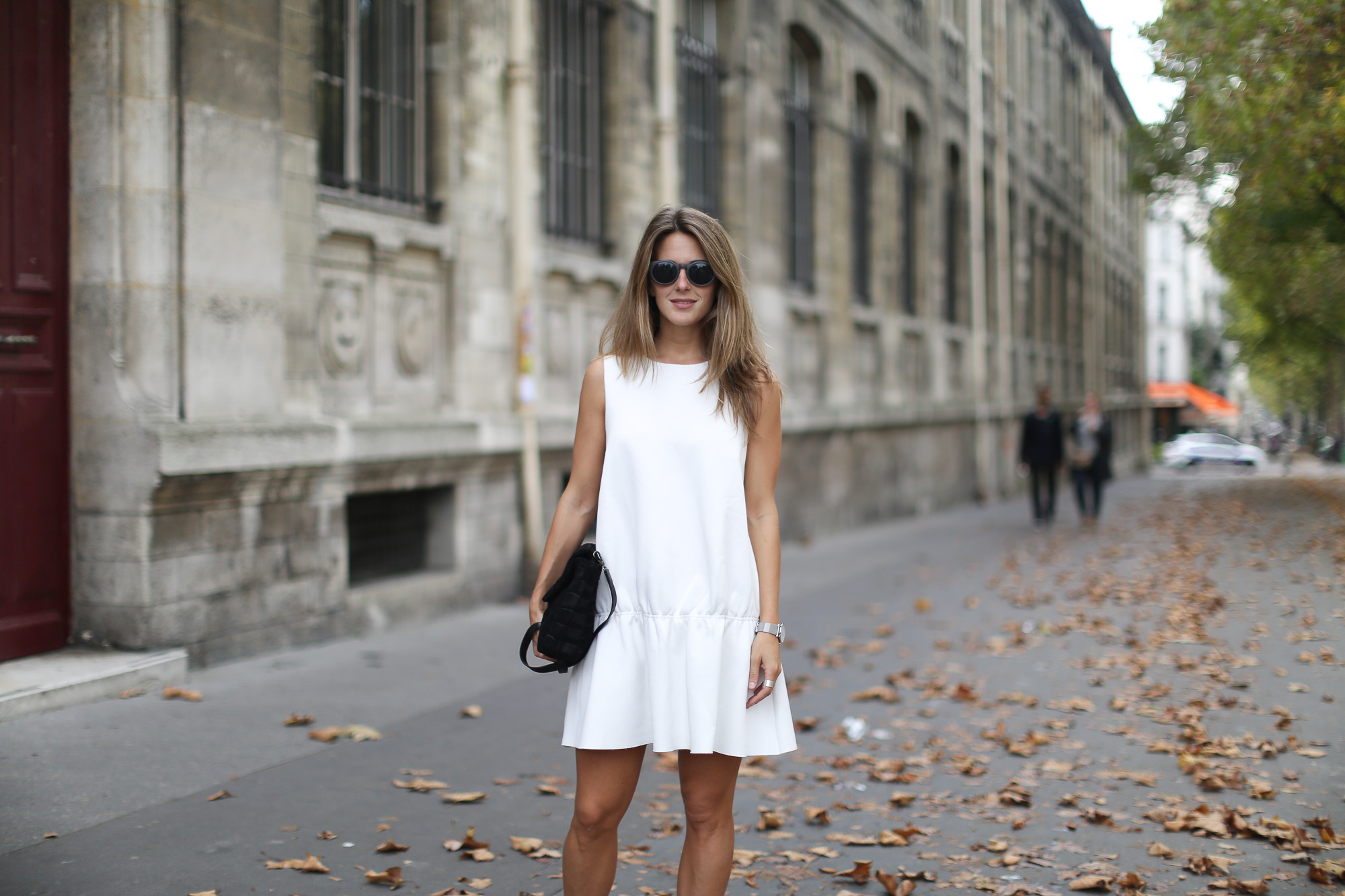 Clochet_paris_h&m_trend_white_neoprene_dress_adidas_stan_smith-1-11
