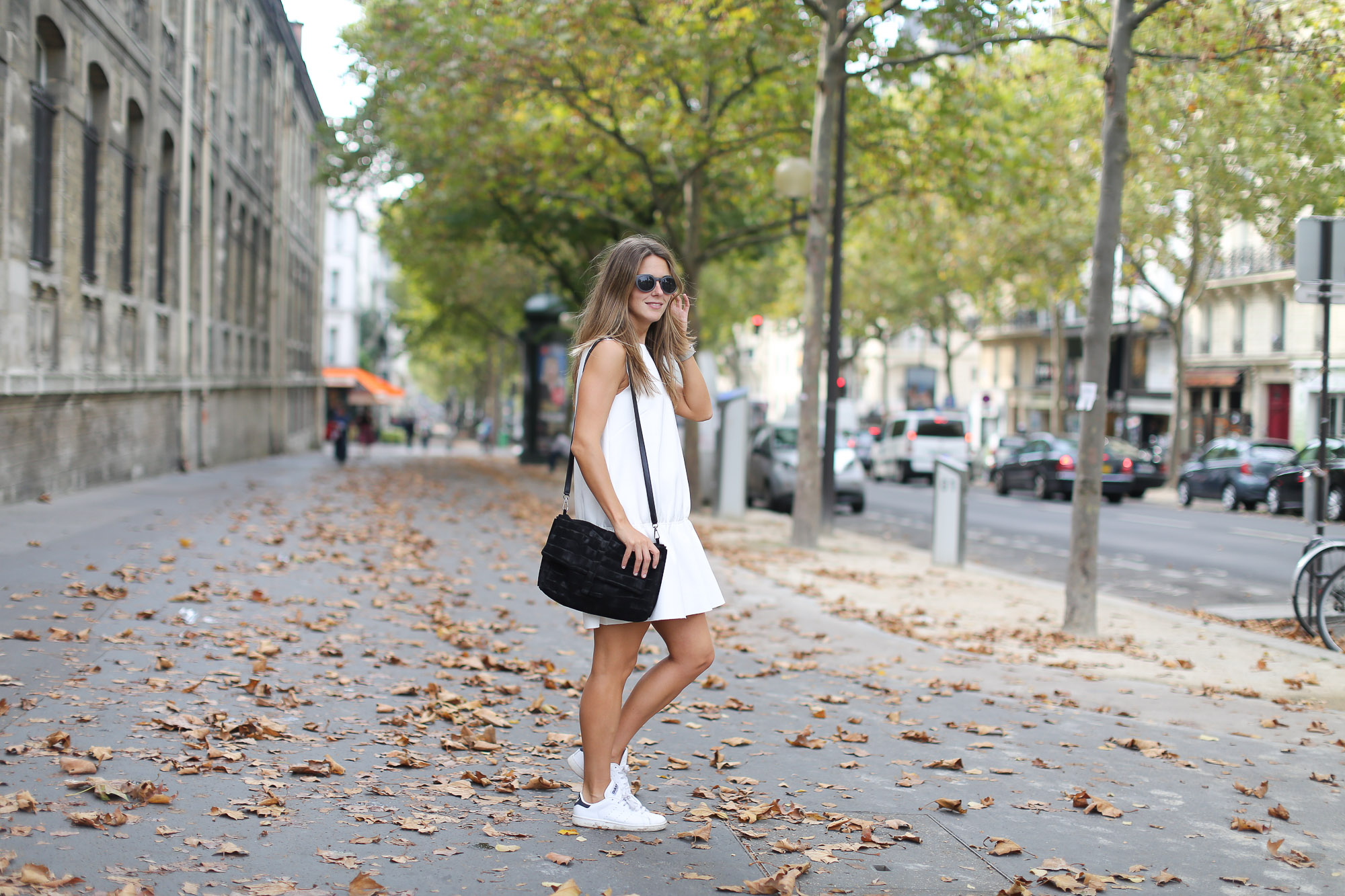 Clochet_paris_h&m_trend_white_neoprene_dress_adidas_stan_smith-1-7