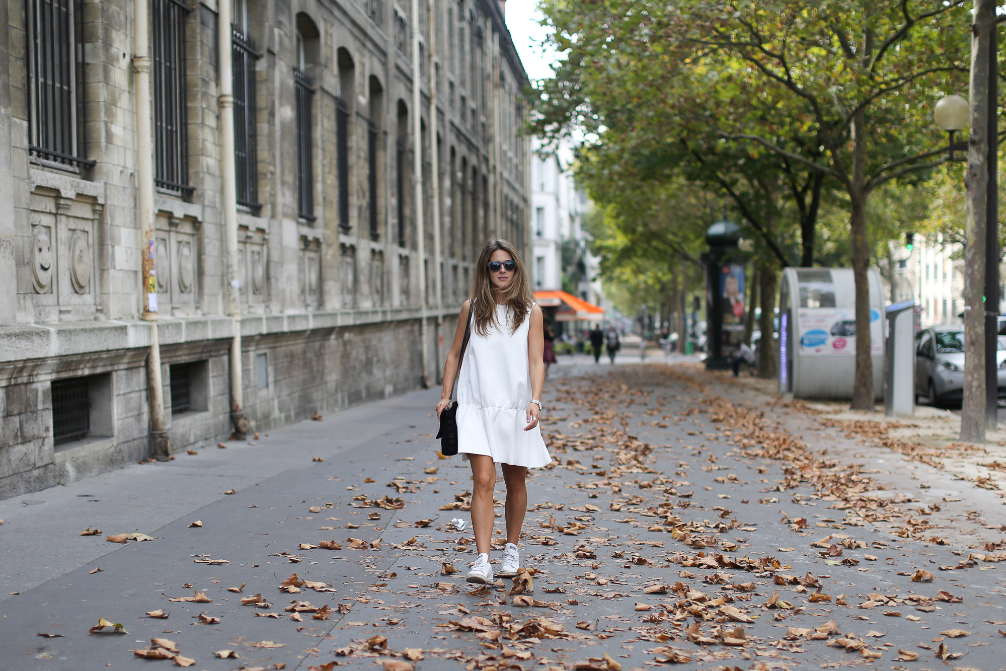 Clochet_paris_h&m_trend_white_neoprene_dress_adidas_stan_smith-1-8