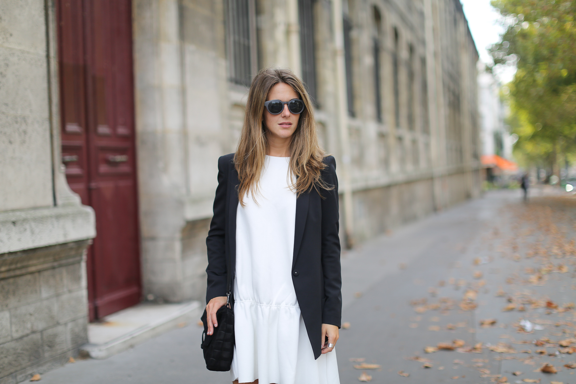 Clochet_paris_h&m_trend_white_neoprene_dress_adidas_stan_smith-1