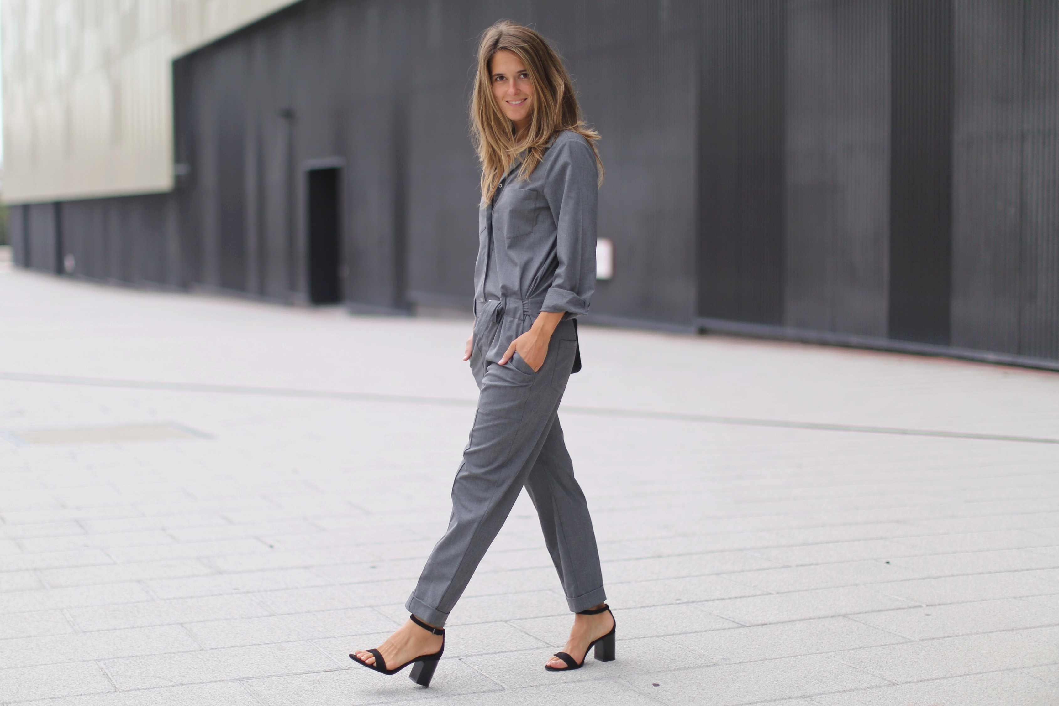 Clochet_zara_grey_jumpsuit_celine_trio_bag_10